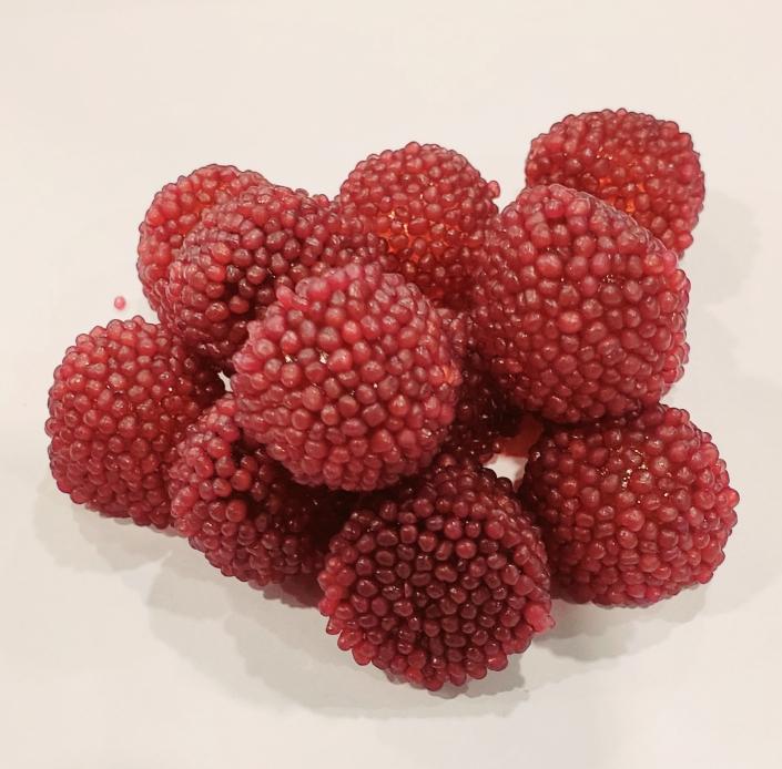 # 143 jujubes baies croquantes raisins 2.19/100g bonbonniere